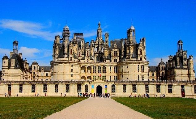 Imagini pentru castelul Chambord