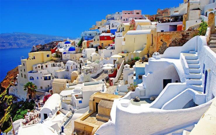 1Top-10-Greek-Towns-Oia-740x462