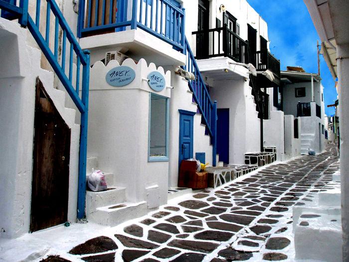 7Top-10-Greek-Towns-Chora