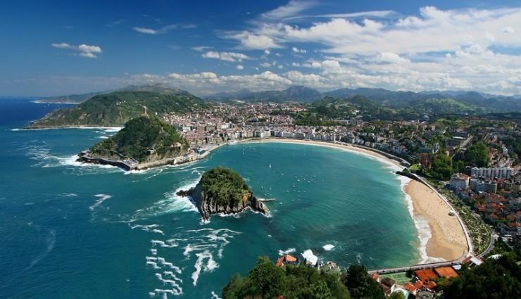 9Top-10-Sunny-Beaches-San-Sebastian-740x425