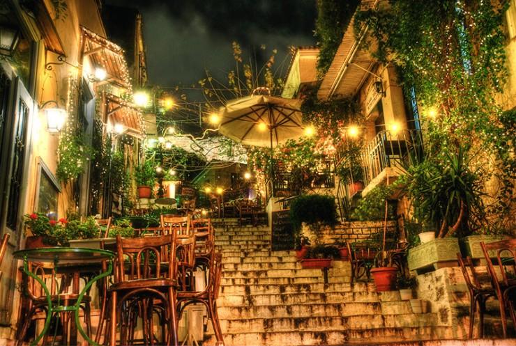Top-10-Greek-Towns-Plaka3-740x497