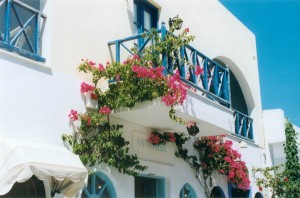 beautiful-balcony-in-santorini-1526838